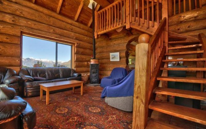 Alpine log cabin inside