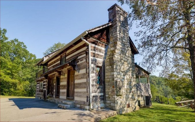 Old rustic log cabin