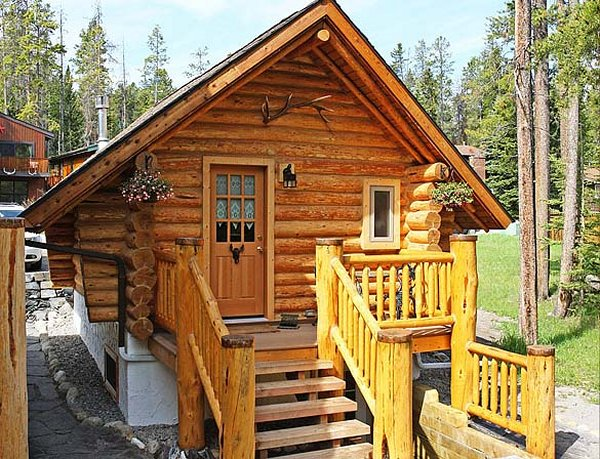 Cozy log cabin in banff national park cozy homes life for Guest house models