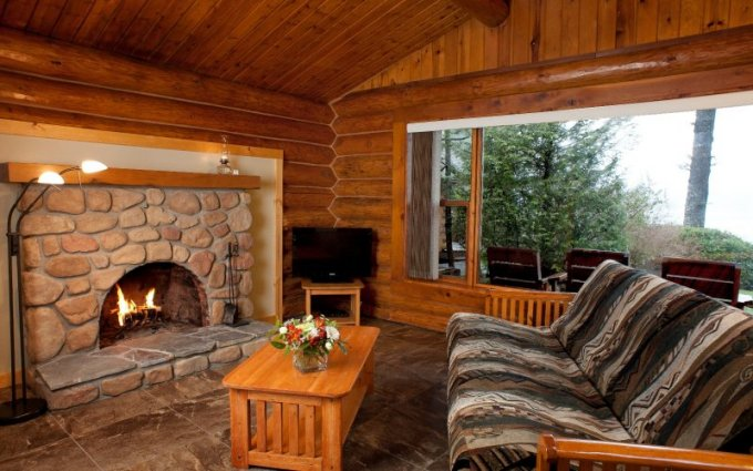 Beachfront log cabin interior