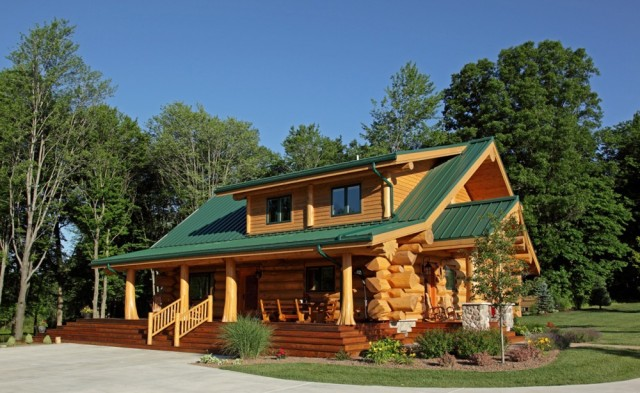 Log home by master craftsman front view