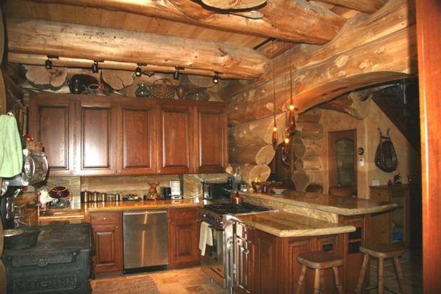 Mountain log cabin kitchen