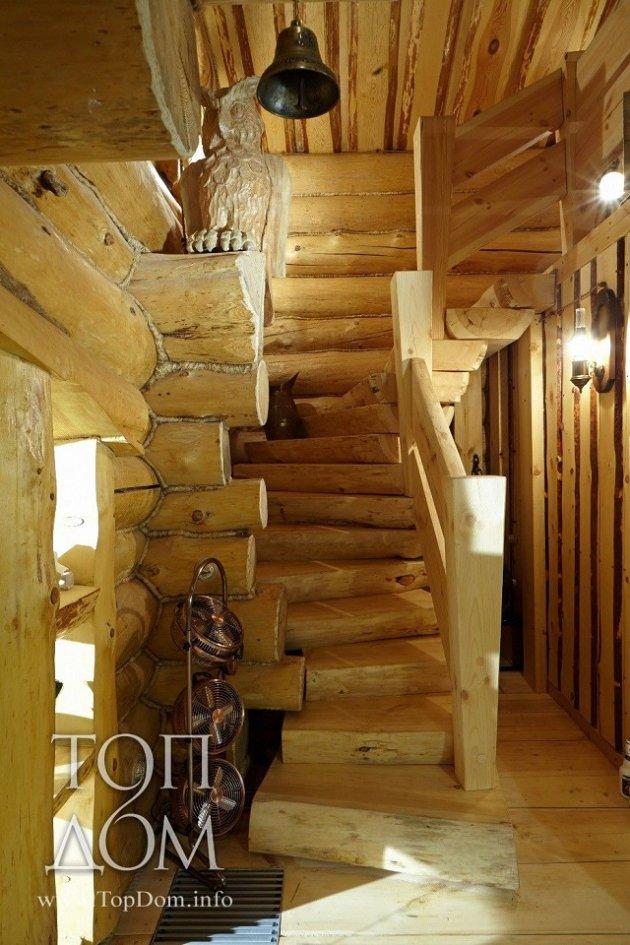 Log cabin staircase
