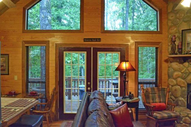 Oak Ridge cabin inside