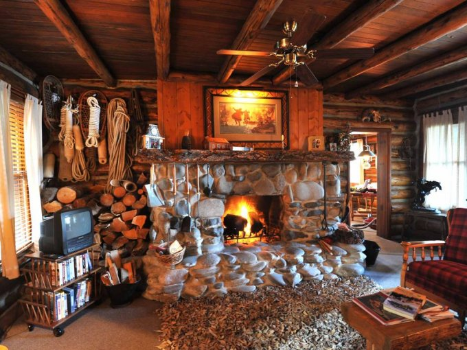 log cabin living room. Canyon Ferry Lake cabin living room Log Cabin On  Cozy Homes Life