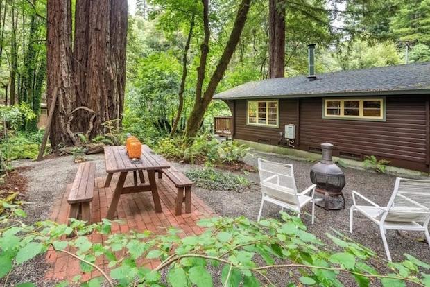 Creekside cabin outdoor