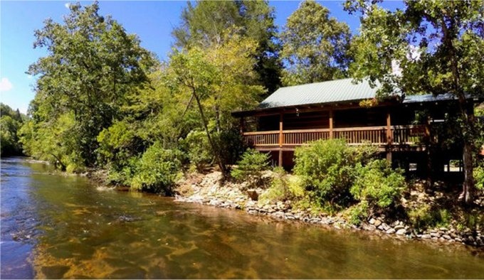 This Dream Log Cabin Is Nestled Perfectly On The Banks Of The Toccoa River  Where You May Fish From The Porch Or Just Let The Soothing Sounds Of The  River ...