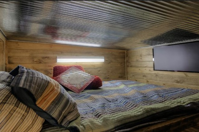 Container log tiny house