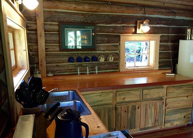 Montana log cabin kitchen