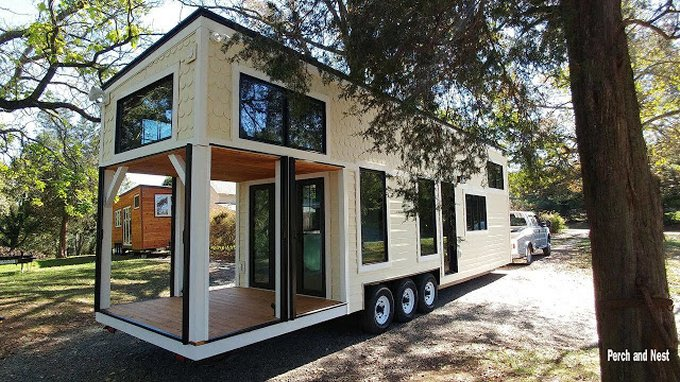 Modern cozy tiny house on wheels cozy homes life for Modern tiny homes on wheels