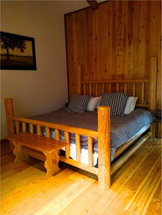 Mount Rainier cabin bedroom