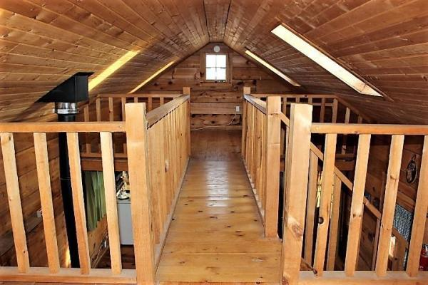 Amish log cabin loft