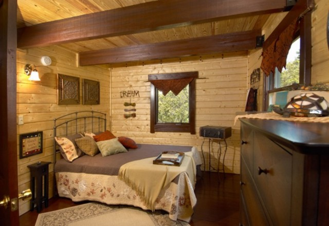 Mountain king cabin bedroom