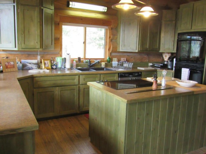 Montana log cabin kitchen