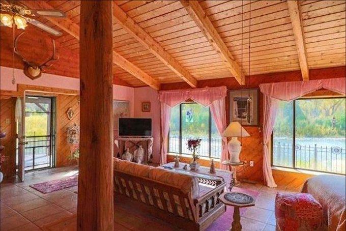 Riverside log cabin inside