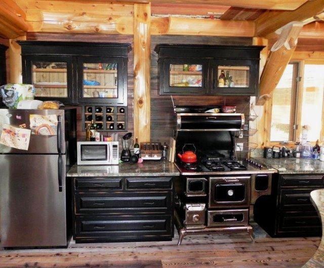 Lakeside cabin kitchen