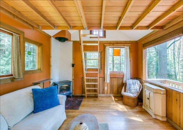 Nice cozy cabin inside