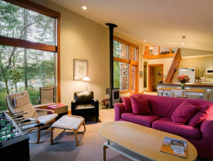 Island cabin interior
