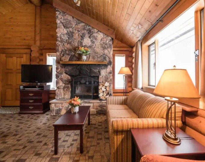 Castle Mountain cabin inside