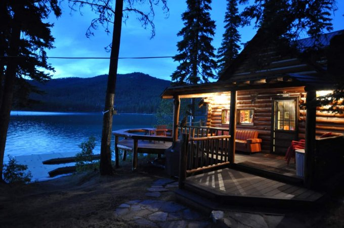 Cabin on Ashley Lake