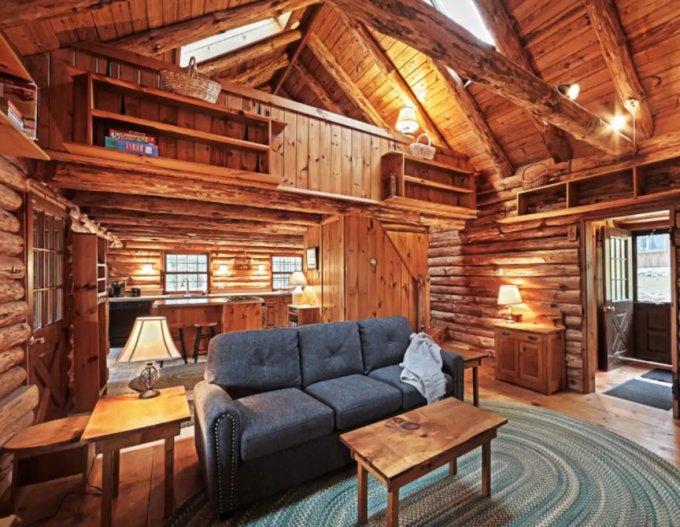 Log cabin in Vermont