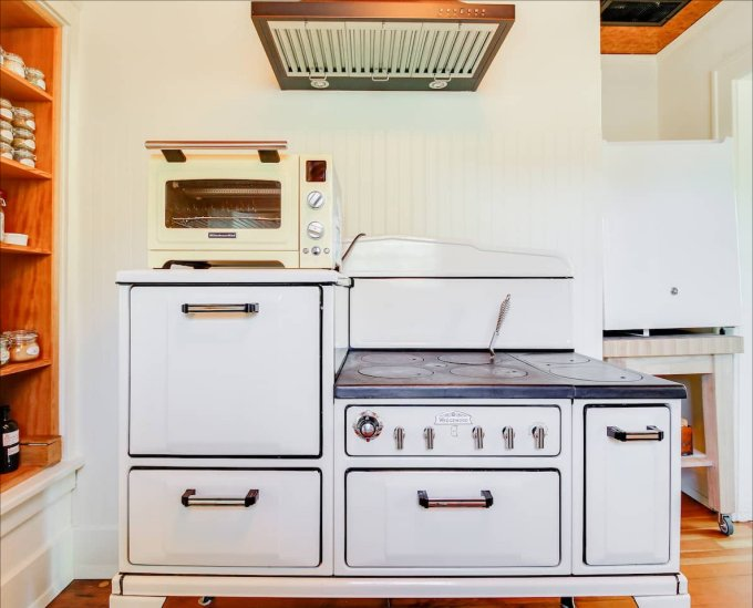 Cottage with 1920s stove