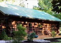 Log cabin in Ontario